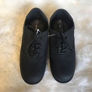 Cat & Jack flat black dress shoes Sz 3